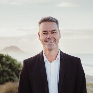 Photo of Glen Ashton